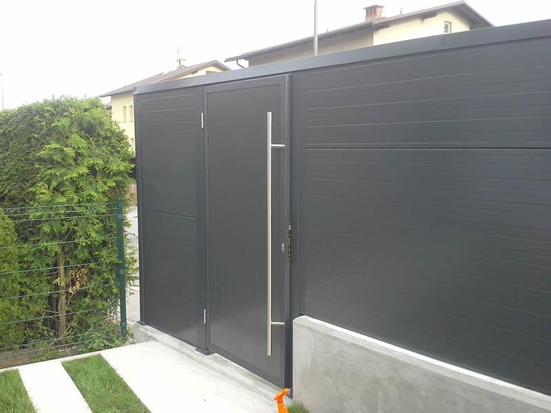 Kovinska dvoriščna vrata
