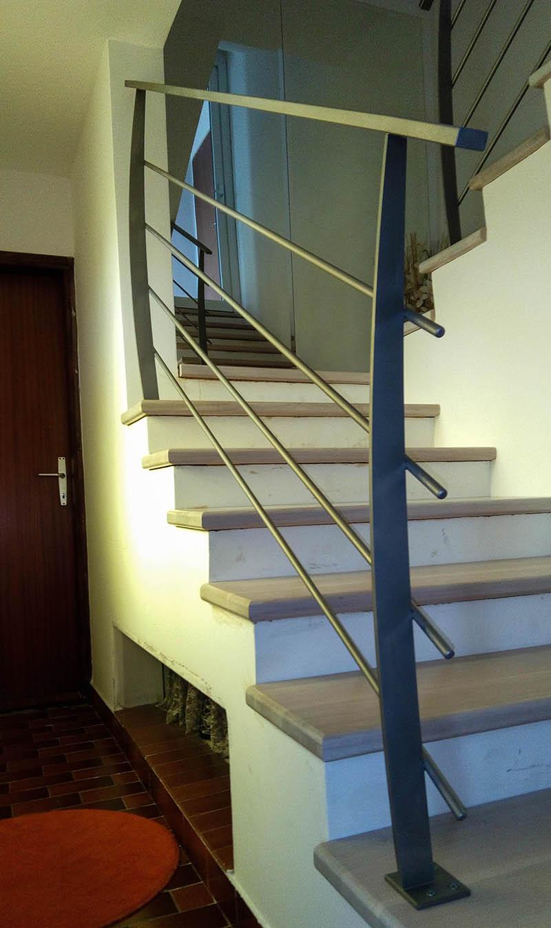 Notranje stopniscna ograja